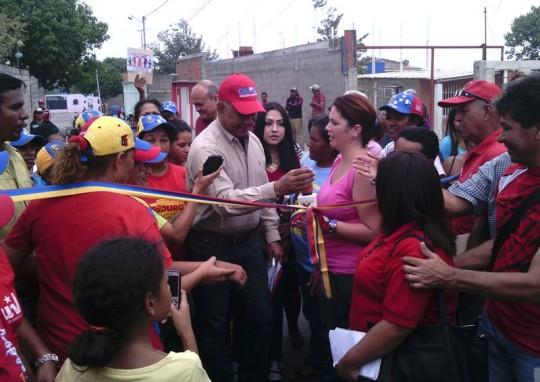 Luis Reyes Reyes inauguró las calles recién asfaltadas en Pilade Montezuma