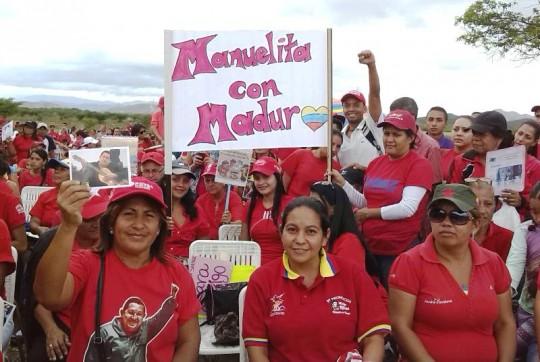 Las familias beneficiadas agradecieron el apoyo firme del gobierno revolucionario