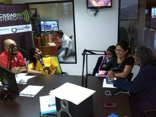 Equipo de prensa Corpolara recibió en el programa a los periodistas Jenniffer Peña y Félix Gutiérrez