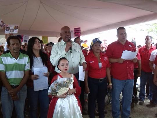 Luis Reyes Reyes reconoció la constante lucha de las comunidades en materia de viviendas