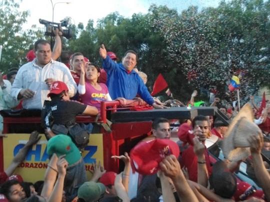 Pdte. Hugo Chávez con su pueblo larense ¡Chávez Vive! (Foto Morela Escalona 02/10/2012)