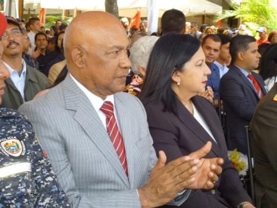 Comandante Luis Reyes Reyes y Almiranta Carmen Meléndez