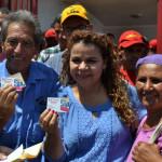 VISITA MINISTRO IRIS VARELA CARNETIZACION PSUV 07pg foto-ES